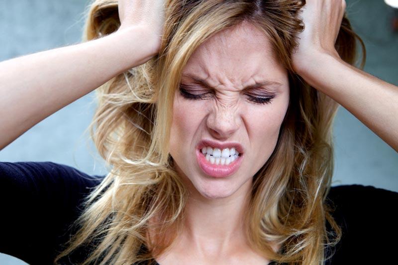 Раздражительность - один из самых ярких симптомов.