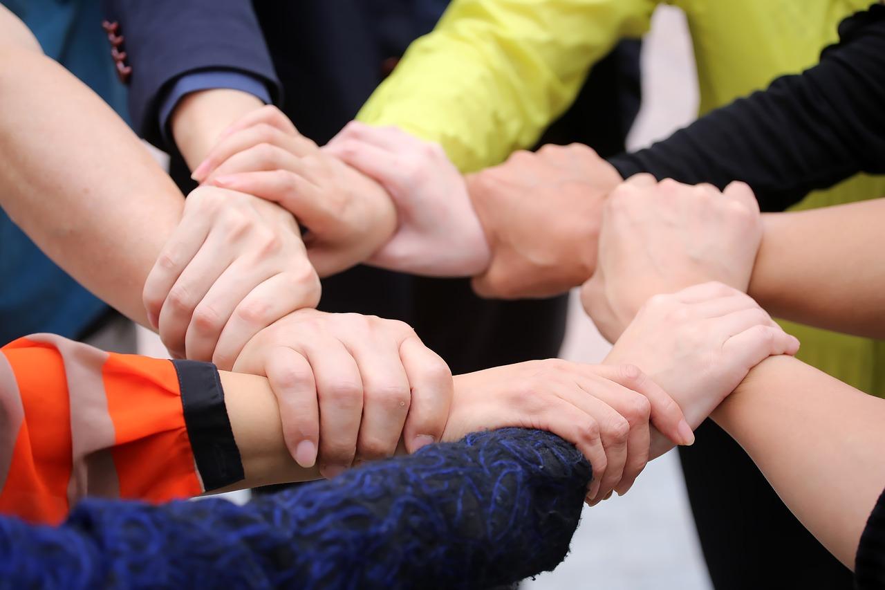 Смысл пословицы «Один за всех и все за одного»